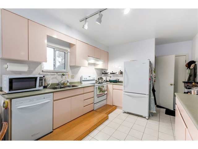 Photo 5: 1108 W 41ST Avenue in Vancouver: South Granville House for sale (Vancouver West)  : MLS(r) # V1096293