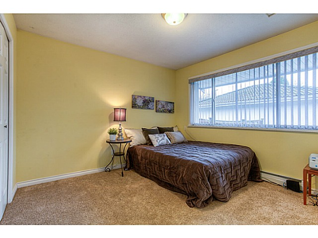 Photo 7: 4683 DARWIN Avenue in Burnaby: Burnaby Hospital House 1/2 Duplex for sale (Burnaby South)  : MLS® # V1103438