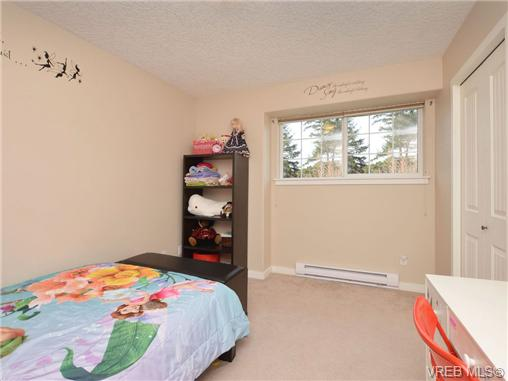 Photo 10: 863 McCallum Road in VICTORIA: La Florence Lake Single Family Detached for sale (Langford)  : MLS(r) # 347712