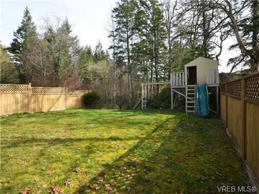 Photo 19: 863 McCallum Road in VICTORIA: La Florence Lake Single Family Detached for sale (Langford)  : MLS(r) # 347712