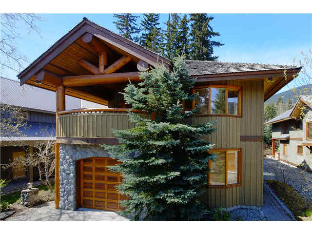 "Main Photo: 8109 MUIRFIELD Crescent in Whistler: Green Lake Estates House for sale in ""GREEN LAKE ESTATES, NICKLAUS NORTH"" : MLS® # V1121748"