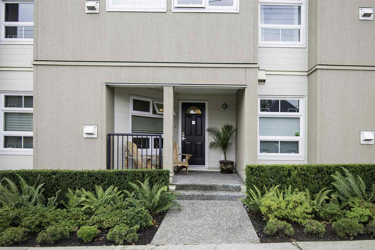 "Main Photo: 4 1350 W 6TH Avenue in Vancouver: Fairview VW Townhouse for sale in ""PEPPER RIDGE"" (Vancouver West)  : MLS® # R2012322"