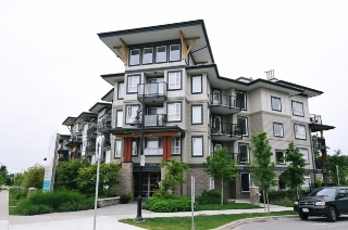 "Main Photo: 406 12075 EDGE Street in Maple Ridge: East Central Condo for sale in ""EDGE ON EDGE"" : MLS® # R2094670"