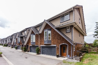 "Main Photo: 42 15977 26 Avenue in Surrey: Grandview Surrey Townhouse for sale in ""THE BELCROFT"" (South Surrey White Rock)  : MLS(r) # R2178020"