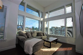 "Main Photo: 404 33539 HOLLAND Avenue in Abbotsford: Central Abbotsford Condo for sale in ""The Crossing"" : MLS® # R2208449"