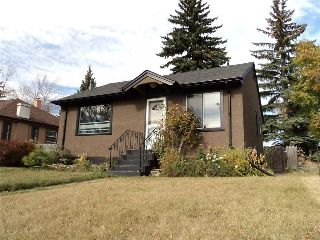 Main Photo: 2308 21 AV SW in Calgary: Richmond House for sale : MLS® # C4141026