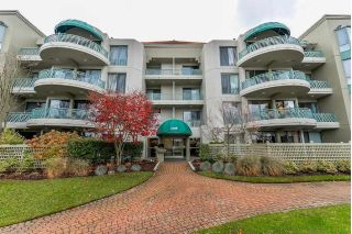 "Main Photo: 203 1705 MARTIN Drive in Surrey: Sunnyside Park Surrey Condo for sale in ""Southwynd"" (South Surrey White Rock)  : MLS® # R2222358"