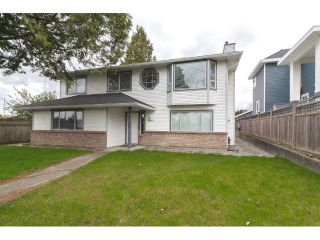 Main Photo: 18185 64 Avenue in Surrey: Cloverdale BC House for sale (Cloverdale)  : MLS®# R2253254
