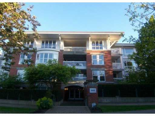 Main Photo: 311 1868 W 5th Avenue in Vancouver: Kitsilano Condo for sale (Vancouver West)  : MLS® # V829025