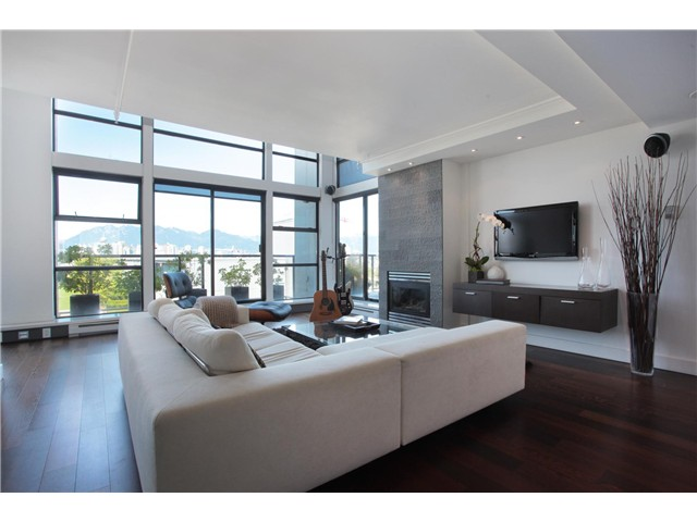 Photo 2: 707 428 W 8TH Avenue in Vancouver: Mount Pleasant VW Condo for sale (Vancouver West)  : MLS(r) # V970989