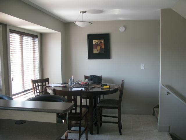 Photo 4: Photos: 41 Morello Bay in WINNIPEG: Maples / Tyndall Park Townhouse for sale (North West Winnipeg)  : MLS® # 1315240