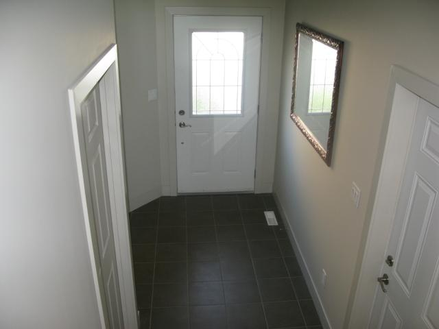 Photo 5: Photos: 41 Morello Bay in WINNIPEG: Maples / Tyndall Park Townhouse for sale (North West Winnipeg)  : MLS® # 1315240