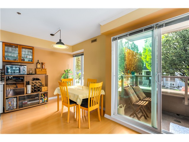 Photo 5: 202 3218 ONTARIO Street in Vancouver: Main Condo for sale (Vancouver East)  : MLS® # V1084215