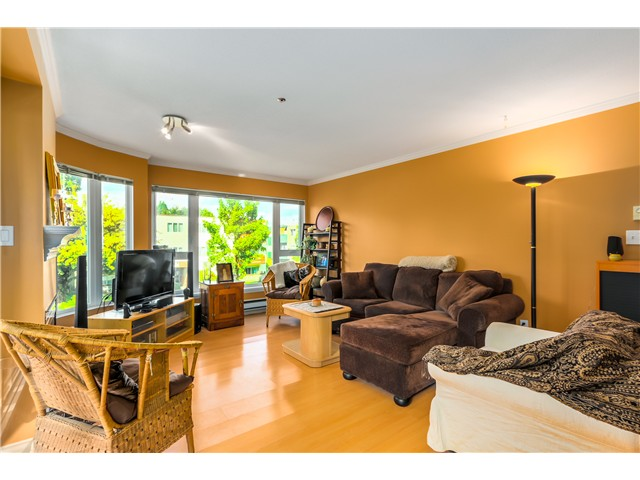 Photo 2: 202 3218 ONTARIO Street in Vancouver: Main Condo for sale (Vancouver East)  : MLS® # V1084215