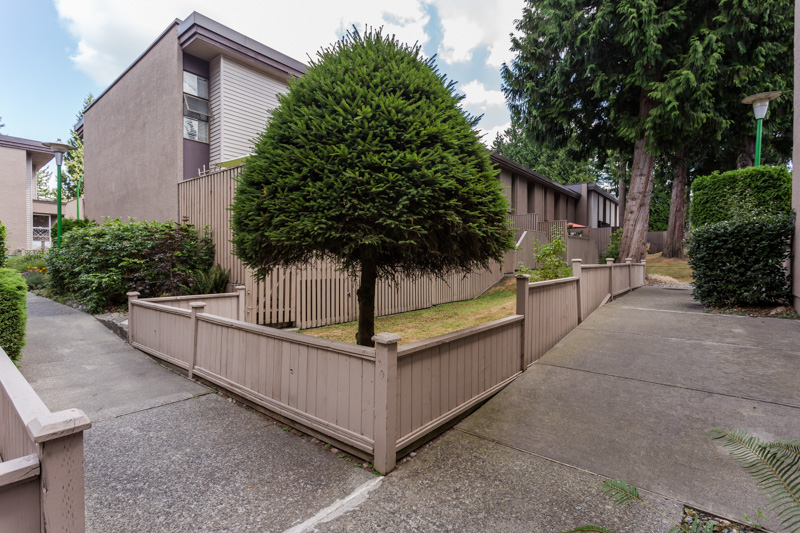 "Photo 28: 49 13809 102 Avenue in Surrey: Whalley Townhouse for sale in ""The Meadows"" (North Surrey)  : MLS(r) # F1447952"