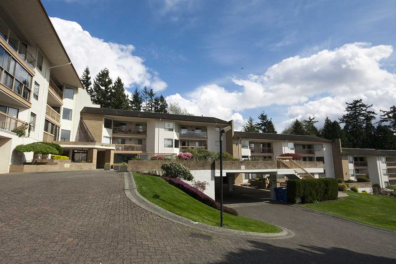 "Main Photo: 303 1350 VIDAL Street: White Rock Condo for sale in ""Seapark East"" (South Surrey White Rock)  : MLS® # R2002372"