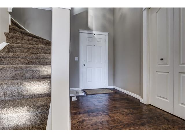 Photo 2: 41 ROYAL BIRCH Crescent NW in Calgary: Royal Oak House for sale : MLS® # C4041001