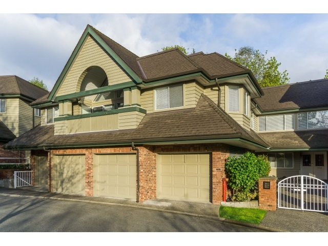 Main Photo: 3919 CREEKSIDE Place in Burnaby: Burnaby Hospital Townhouse for sale (Burnaby South)  : MLS®# R2057057