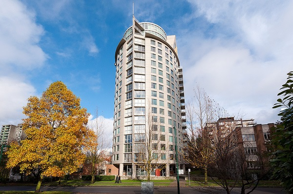 "Main Photo: 606 1277 NELSON Street in Vancouver: West End VW Condo for sale in ""The Jetson"" (Vancouver West)  : MLS® # R2076127"