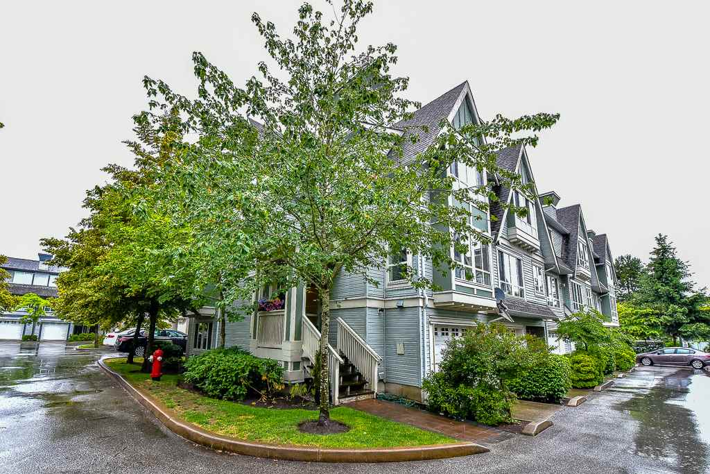 "Main Photo: 29 16388 85 Avenue in Surrey: Fleetwood Tynehead Townhouse for sale in ""The Camelot"" : MLS® # R2081947"