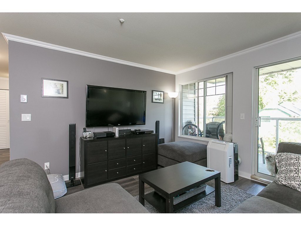 "Main Photo: 410 11671 FRASER Street in Maple Ridge: East Central Condo for sale in ""Belmar Terrace"" : MLS®# R2109202"