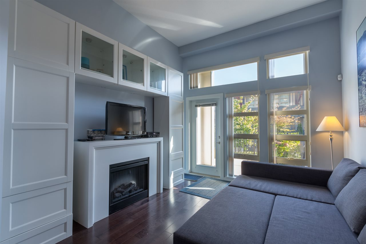 Photo 2: 112 738 E 29TH Avenue in Vancouver: Fraser VE Condo for sale (Vancouver East)  : MLS® # R2113741