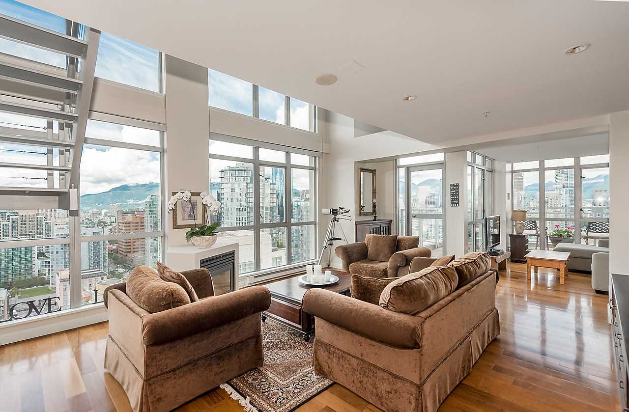 "Main Photo: 2802 1238 RICHARDS Street in Vancouver: Yaletown Condo for sale in ""METROPOLIS"" (Vancouver West)  : MLS(r) # R2116456"