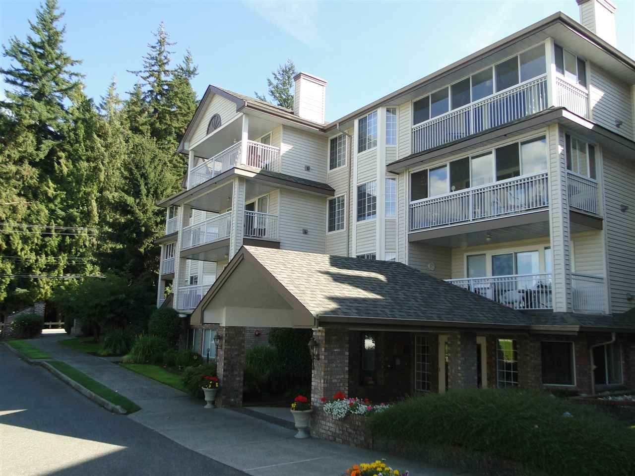 "Photo 2: 105 2491 GLADWIN Road in Abbotsford: Abbotsford West Condo for sale in ""LAKEWOOD GARDENS"" : MLS® # R2122538"