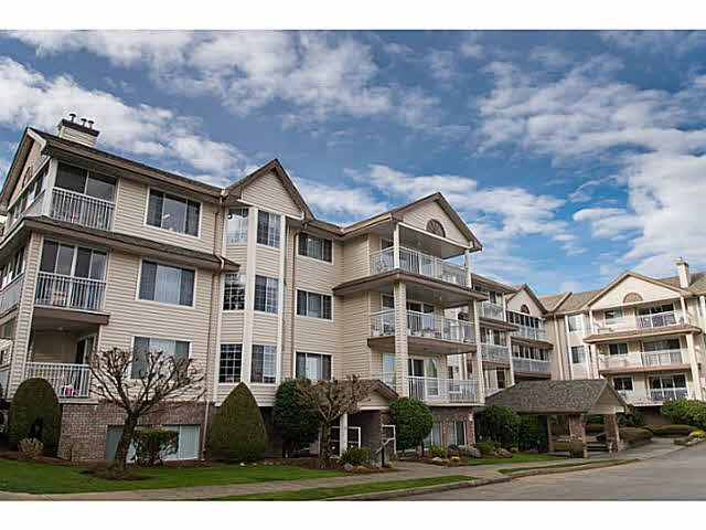 "Main Photo: 105 2491 GLADWIN Road in Abbotsford: Abbotsford West Condo for sale in ""LAKEWOOD GARDENS"" : MLS® # R2122538"