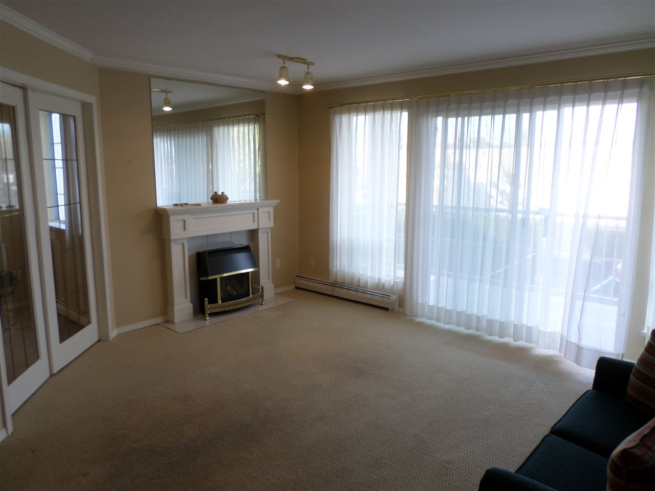 "Photo 9: 105 2491 GLADWIN Road in Abbotsford: Abbotsford West Condo for sale in ""LAKEWOOD GARDENS"" : MLS® # R2122538"