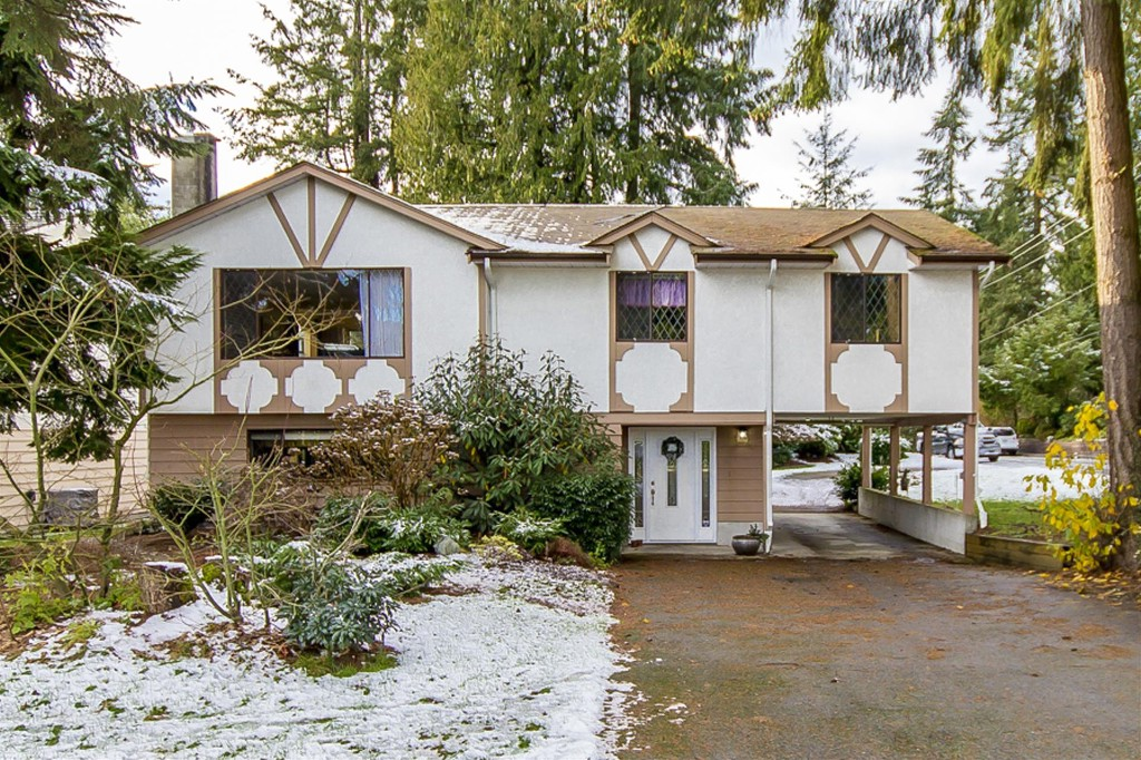Main Photo: 3497 HASTINGS Street in Port Coquitlam: Woodland Acres PQ House for sale : MLS® # R2126668