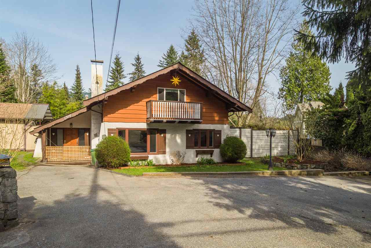 "Main Photo: 1314 MOUNTAIN Highway in North Vancouver: Westlynn House for sale in ""Westlynn"" : MLS(r) # R2155349"