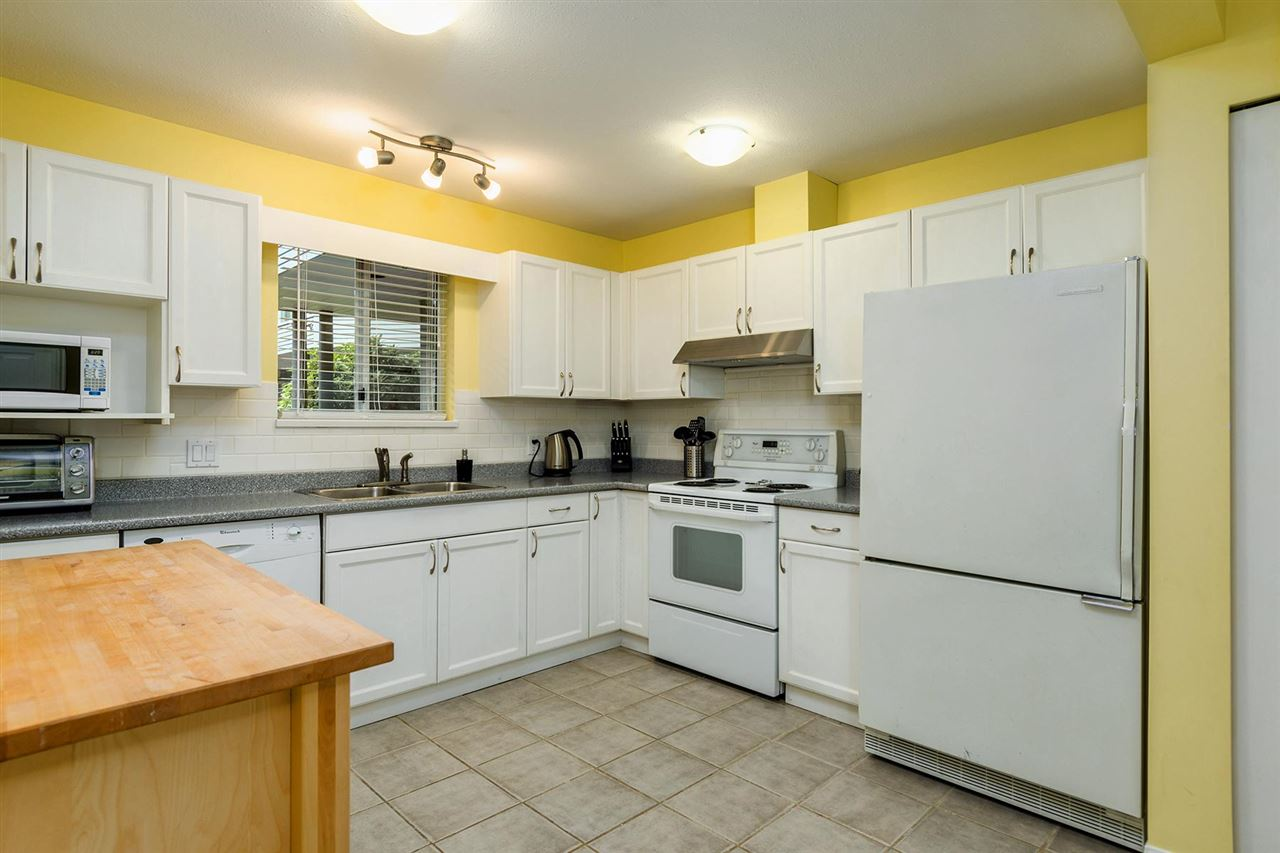 "Photo 7: 209 2733 ATLIN Place in Coquitlam: Coquitlam East Condo for sale in ""ATLIN COURT"" : MLS(r) # R2166534"