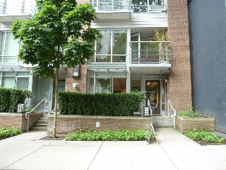 "Main Photo: 861 RICHARDS Street in Vancouver: Downtown VW Townhouse for sale in ""DOLCE"" (Vancouver West)  : MLS®# R2176098"