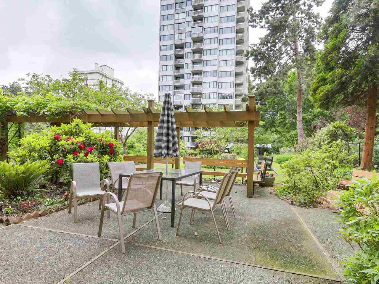 "Photo 13: 304 1740 COMOX Street in Vancouver: West End VW Condo for sale in ""The Sandpiper"" (Vancouver West)  : MLS(r) # R2178648"