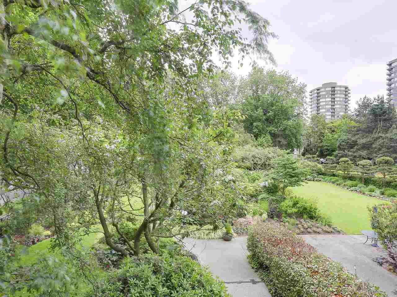"Photo 2: 304 1740 COMOX Street in Vancouver: West End VW Condo for sale in ""The Sandpiper"" (Vancouver West)  : MLS(r) # R2178648"