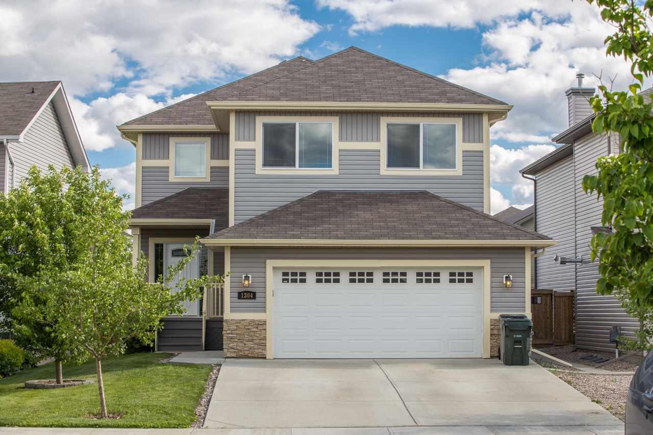Main Photo: 1304 WESTERRA Drive: Stony Plain House for sale : MLS(r) # E4070525