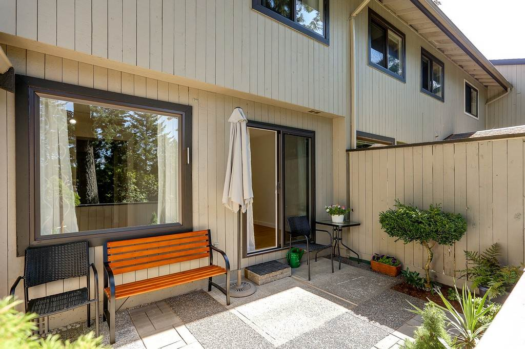 Photo 18: 879 CUNNINGHAM Lane in Port Moody: North Shore Pt Moody Townhouse for sale : MLS® # R2184609