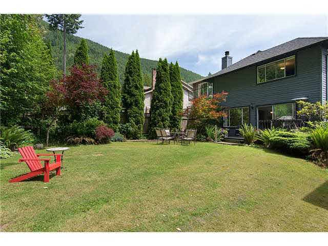 Photo 3: Photos: 5549 DEERHORN Lane in North Vancouver: Grouse Woods House for sale : MLS® # R2209024