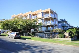 "Main Photo: 104 2006 W 2ND Avenue in Vancouver: Kitsilano Condo for sale in ""Maple Park West"" (Vancouver West)  : MLS® # R2212281"