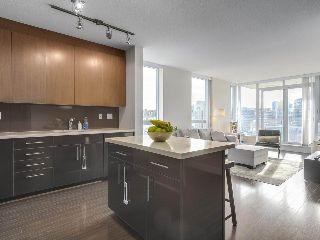 "Main Photo: 907 1833 CROWE Street in Vancouver: False Creek Condo for sale in ""The Foundry"" (Vancouver West)  : MLS® # R2212971"