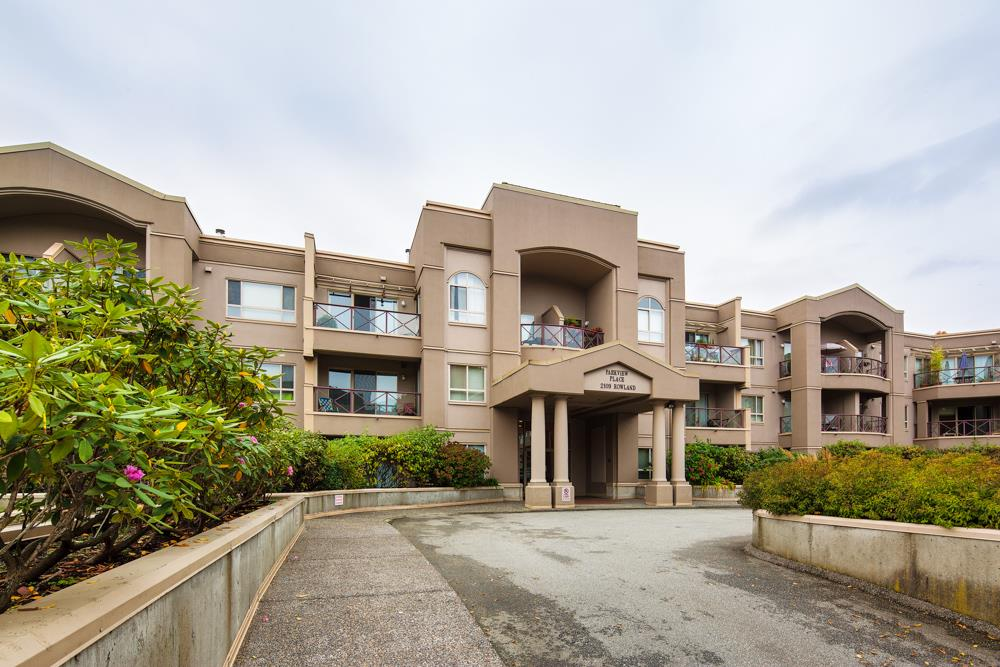 "Main Photo: 107 2109 ROWLAND Street in Port Coquitlam: Central Pt Coquitlam Condo for sale in ""PARKVIEW PLACE"" : MLS® # R2216847"