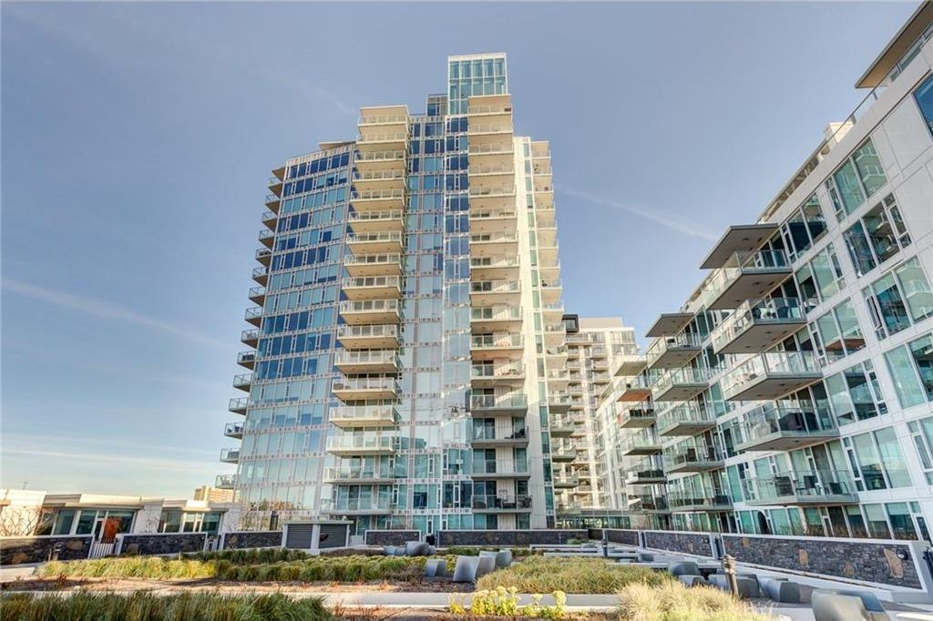 Main Photo: 1806 519 RIVERFRONT Avenue SE in Calgary: Downtown East Village Condo for sale : MLS® # C4160766
