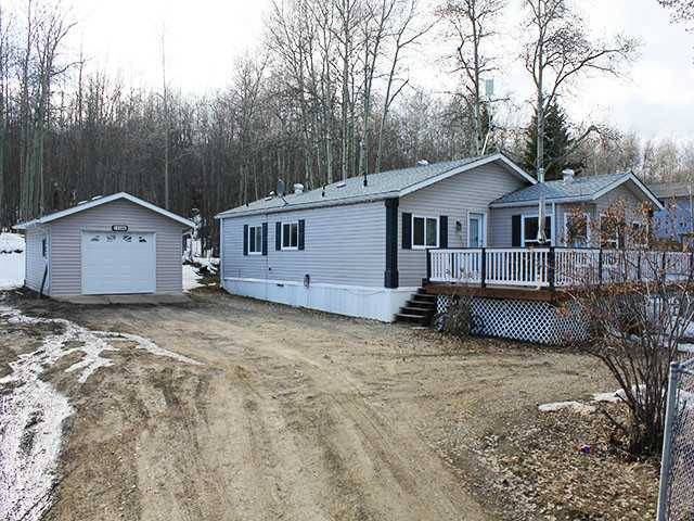 Main Photo: 13386 CHARLIE LAKE Crescent in Charlie Lake: Lakeshore Manufactured Home for sale (Fort St. John (Zone 60))  : MLS®# N242150
