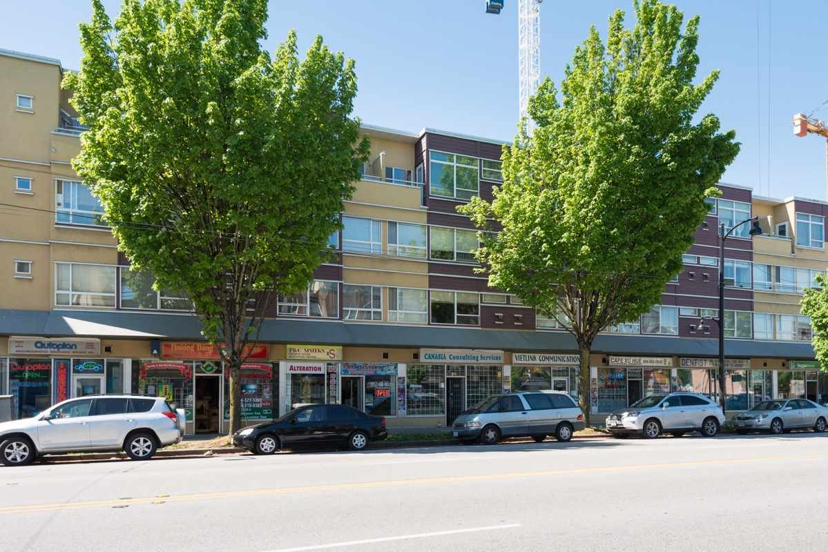 "Photo 13: 419 2238 KINGSWAY in Vancouver: Victoria VE Condo for sale in ""KING'S COURTYARD"" (Vancouver East)  : MLS® # R2064942"