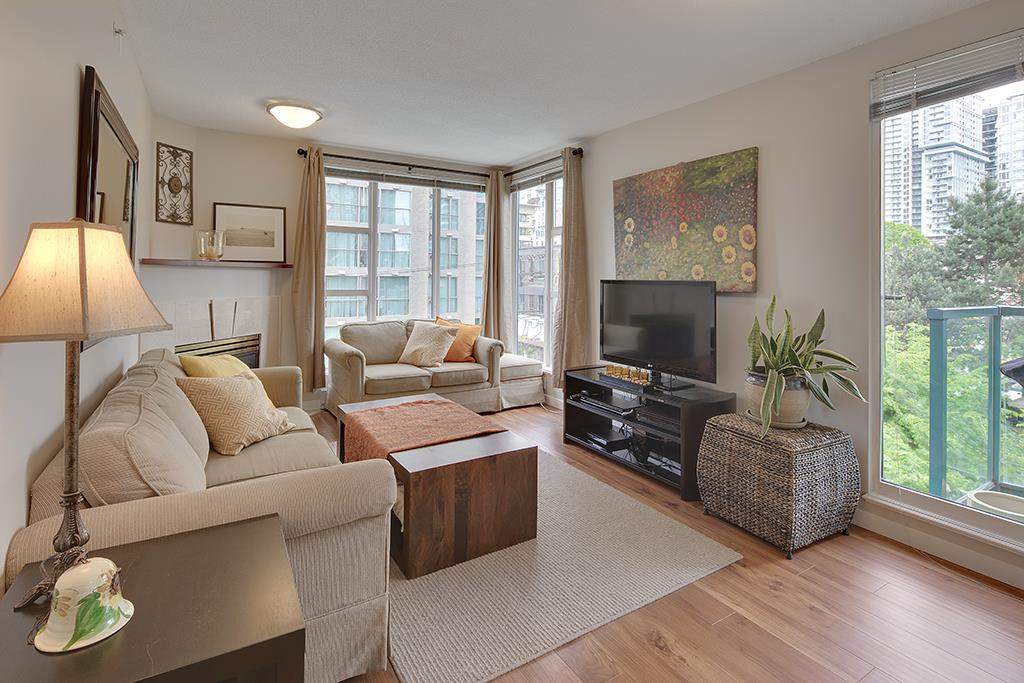 "Main Photo: 602 939 HOMER Street in Vancouver: Yaletown Condo for sale in ""PINNACLE"" (Vancouver West)  : MLS(r) # R2065110"