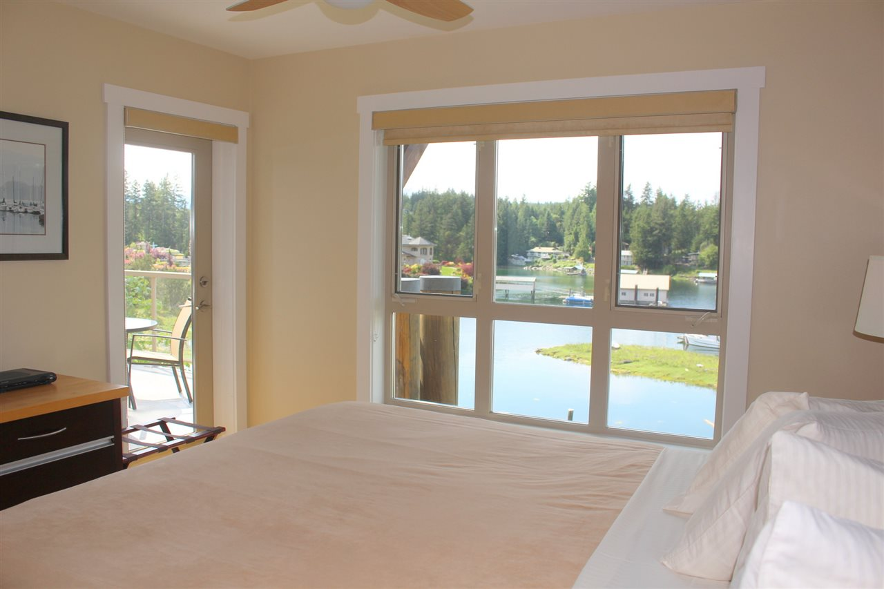 "Photo 10: Photos: 5B 12849 LAGOON Road in Madeira Park: Pender Harbour Egmont Townhouse for sale in ""PAINTED BOAT RESORT"" (Sunshine Coast)  : MLS® # R2093697"