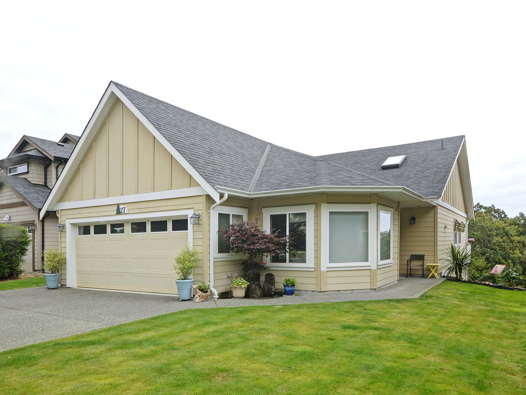 Main Photo: 27 DeGoutiere Place in VICTORIA: VR Six Mile Single Family Detached for sale (View Royal)  : MLS® # 368126