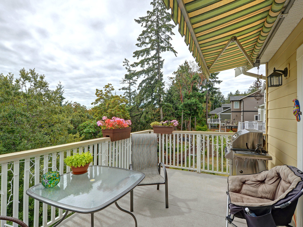 Photo 20: 27 DeGoutiere Place in VICTORIA: VR Six Mile Single Family Detached for sale (View Royal)  : MLS® # 368126