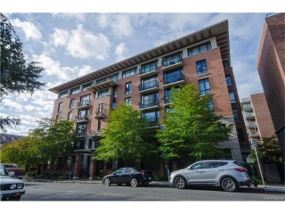 Main Photo: 408 827 Fairfield Road in VICTORIA: Vi Downtown Condo Apartment for sale (Victoria)  : MLS® # 373420